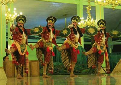 Beksan-Wireng-Bandabaya-Mangkunegaran-Performing-Art