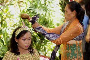 Ritual-Siraman-pengantin-jawa