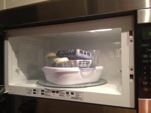 mensterilkan botol susu bayi dengan microwave