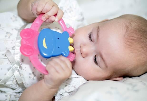 teether-mainan-perangsang-tumbuh-gigi-bayi