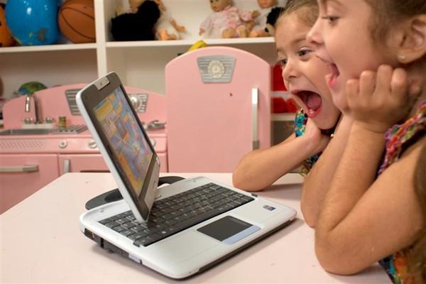 anak-dan-komputer