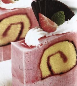 Puding Stroberi Roll Cake