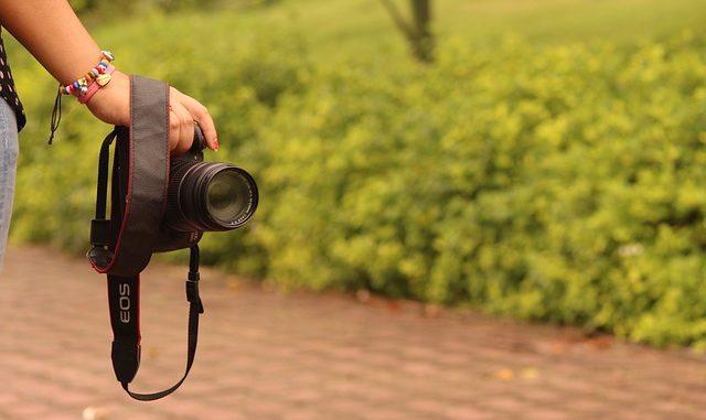 Produk kamera masuk dalam salah satu adegan sinetron atau film