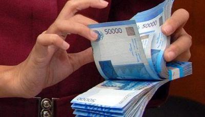 gambar menghitung uang - manajer keuangan