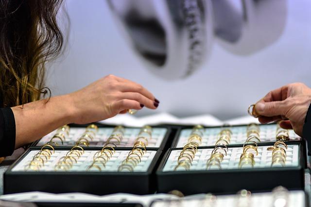 Pilihlah-toko-yang-tepat-untuk-membeli-emas
