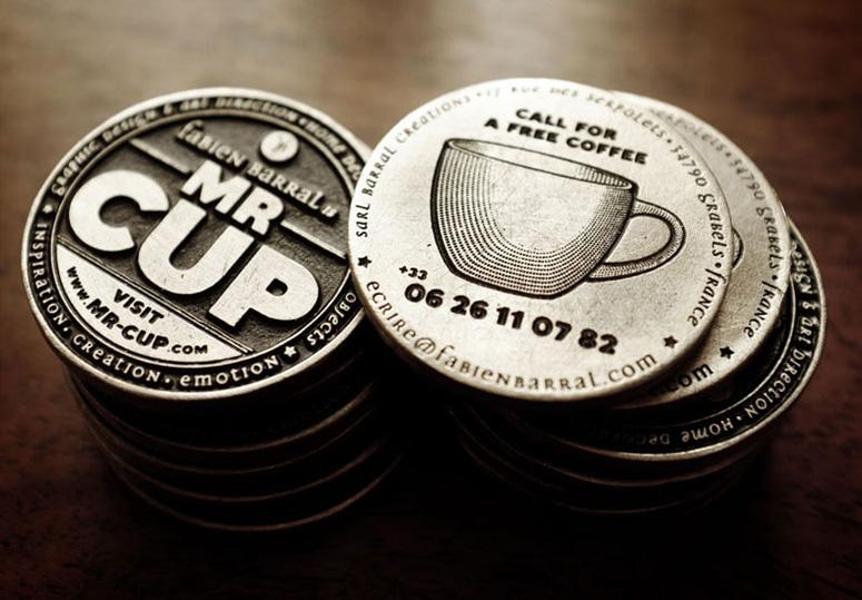 Kartu nama bentuk lingkaran produkMr Cup /gambar : underconsideration.com