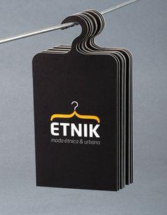 Desain kartu nama bentuk hanger