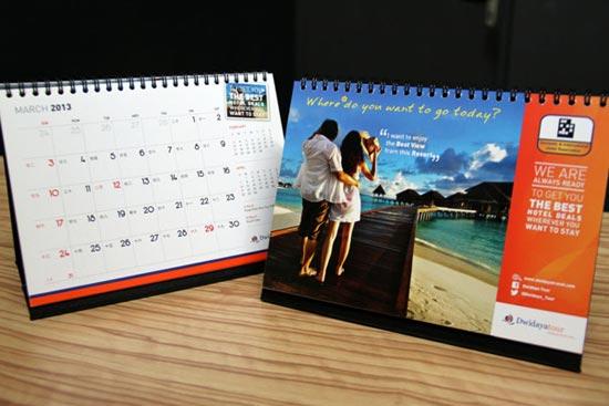 cetak-kalender-meja-untuk-instansi