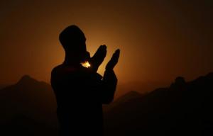 memanjatkan doa/istimewa