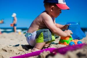 Anak Bermain Pasir Pantai/CC0/DariusSankowski