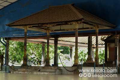 Bangsal Manguntur Tangkil Keraton Kasunanan Surakarta Hadiningrat