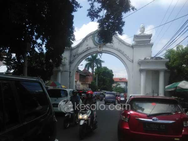 Kori-Bathangan-Alun-alun-Utara-Keraton-Kasunanan-Surakarta