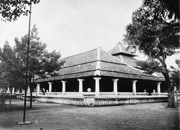 Masjid di Keraton Susuhunan Solo Surakarta 1910-1930