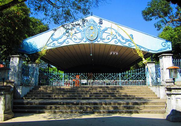Siti-Hinggil-Keraton-Surakarta-Hadiningrat