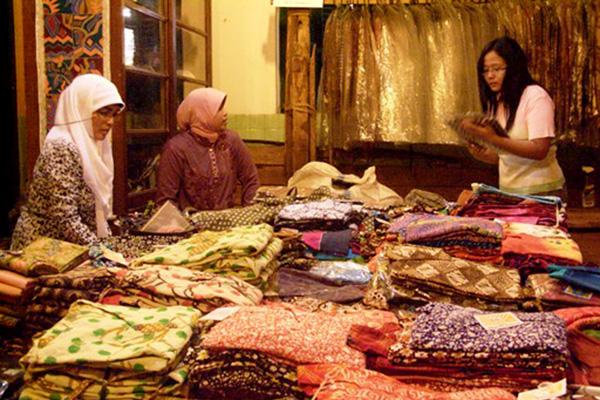 batik-surakarta-di-kampung-batik-laweyan