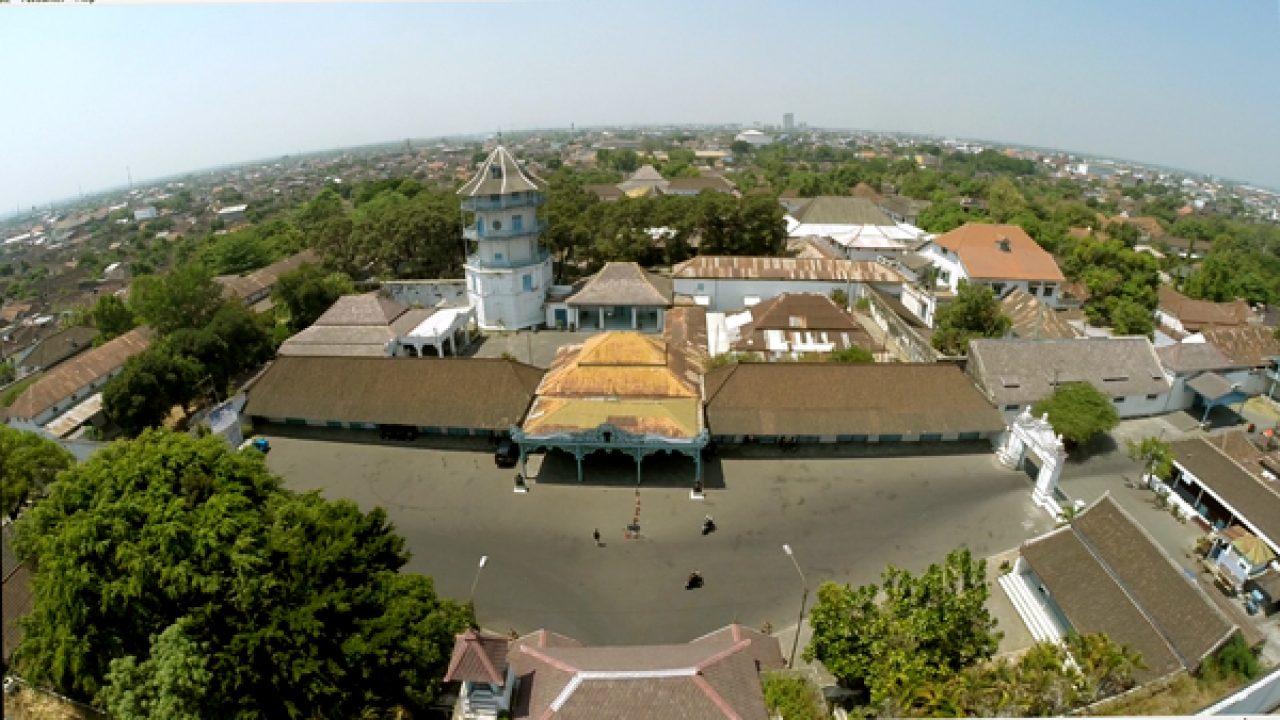 Wisata Ke Keraton Kasunanan