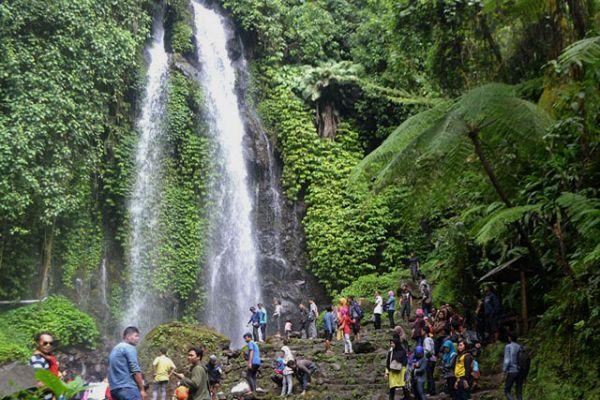 Tempat wisata alam karanganyar Air Terjun jumog