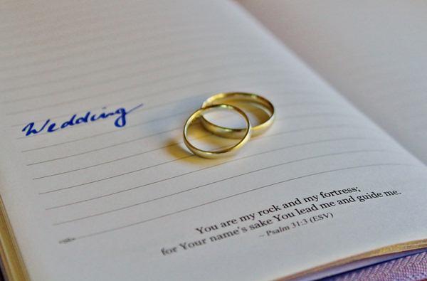 Menentukan jenis layanan usaha wedding organizer secara tepat/cc/Counselling