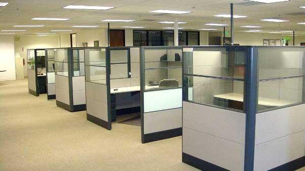 Tata-ruang-kantor-tertutup-yang-bagus-desainiccom