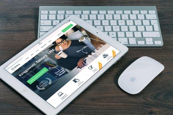 membuat website meningkatkan citra perusahaan/CC/FirmBee