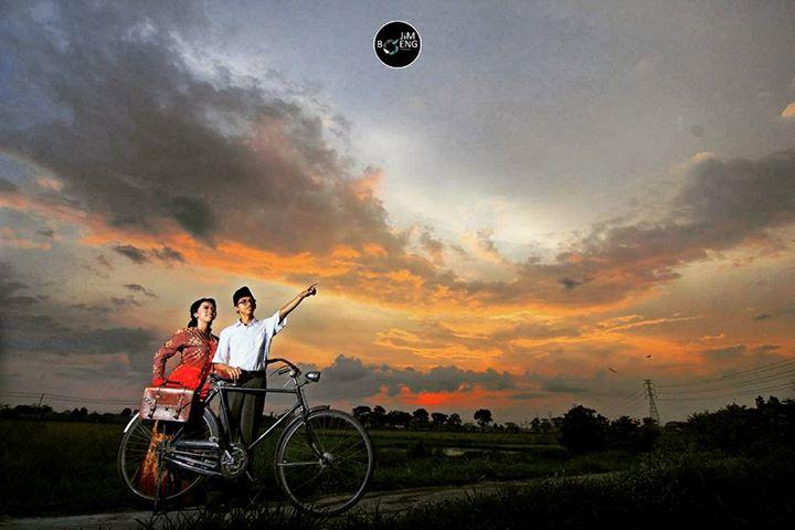 foto-prewedding-tema-profesi-guru-Jimboengphotography