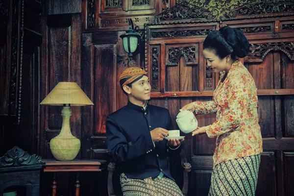 foto-prewedding-tema-tradisional-adat-Jawa-Jimboeng-Photography