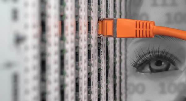 Memilih hosting yang memiliki server dan jaringan stabil/CC/BlickPixel