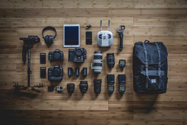 peralatan fotografi yang digunakan untuk membuat studio foto