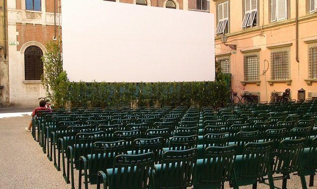 open air cinema, pemutaran film di ruang terbuka