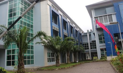 Gedung Fakultas Ekonomi Universitas Negeri Semarang