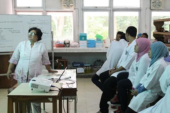 Pembelajaran mata kuliah Biokimia saat kuliah di UGM