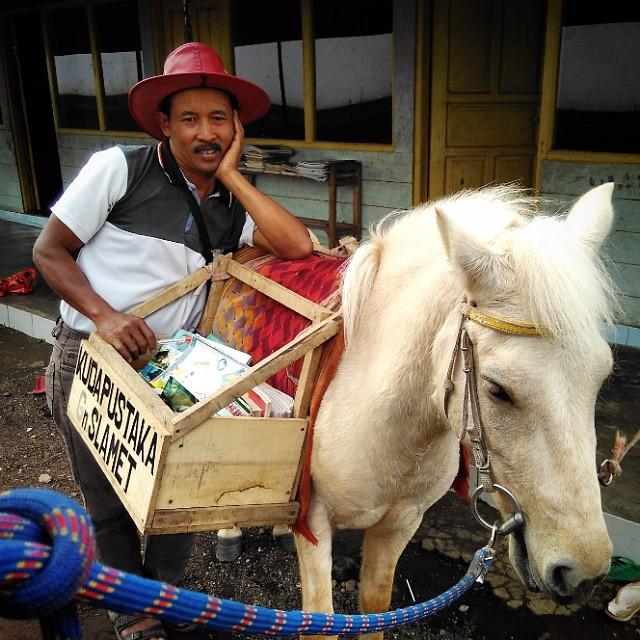 Portrait Ridwan Sururi dan Luna (kuda poni). Foto Firmansyah Anank