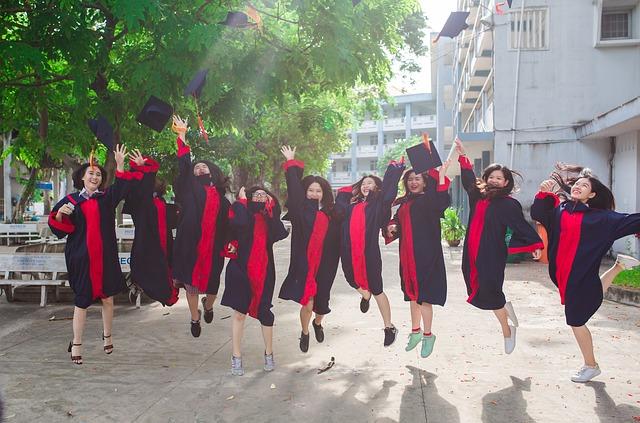 Universitas Negeri dan Swasta