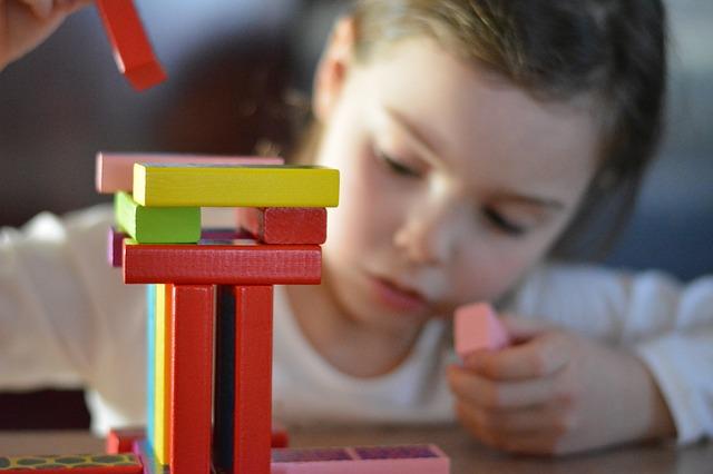 manfaat bermain untuk meningkatkan kreativitas