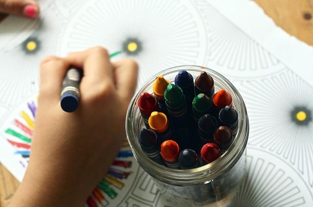 mengembangkan-kreativitas-pada-anak