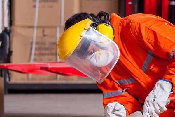 pelindung-wajah-bagi-pekerja