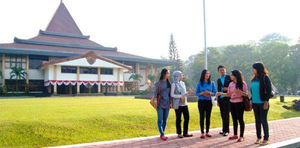 universitas yang ada di solo universitas sebelas maret